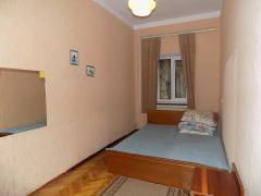 For sale 2-bedroom apartment. Yalta, Ignatenko street (center) 75